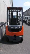 トヨタ TOYOTA 中古フォークリフト forklift ディーゼル 2012年式 3段フルフリー 4.7mマスト