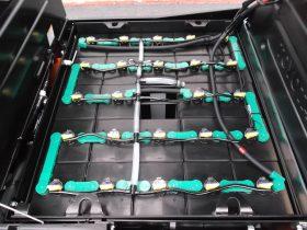 トヨタ TOYOTA 中古フォークリフト forklift バッテリー 2017年式 3段フルフリー4.3Mマストサイドシフト