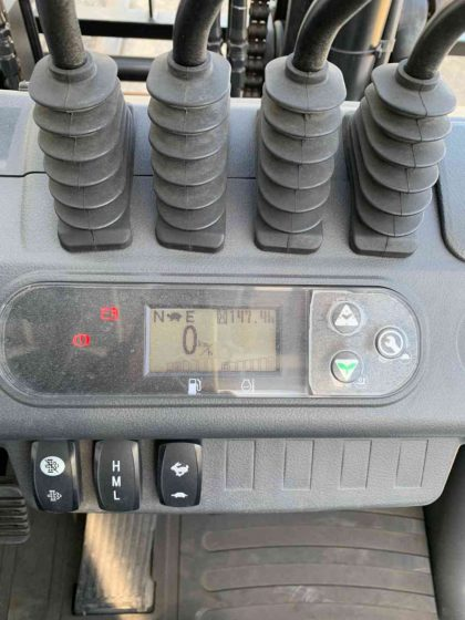 ユニキャリア FD70-3 ディーゼルカウンター フォークリフト  folklift used