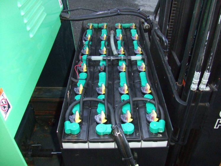 トヨタ TOYOTA 中古フォークリフト forklift バッテリーリーチ 2008年式 3段フルフリー 4.5Mマスト