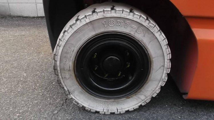 トヨタ Toyota 中古フォークリフト forklift バッテリーカウンター 2014年式 3段フルフリー4.5Mハイマスト