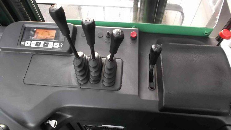 中古フォークリフト トヨタ 7FBR10 リーチ リーチリフト フォークリフト